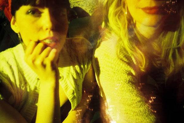 Approach the objects of your Lomographic desire as close as possible.
